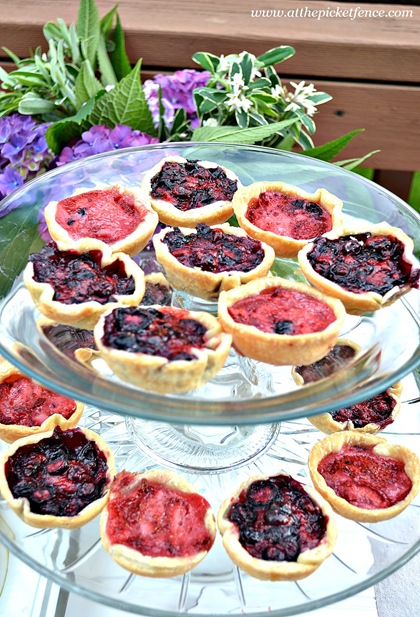 mini berry pies