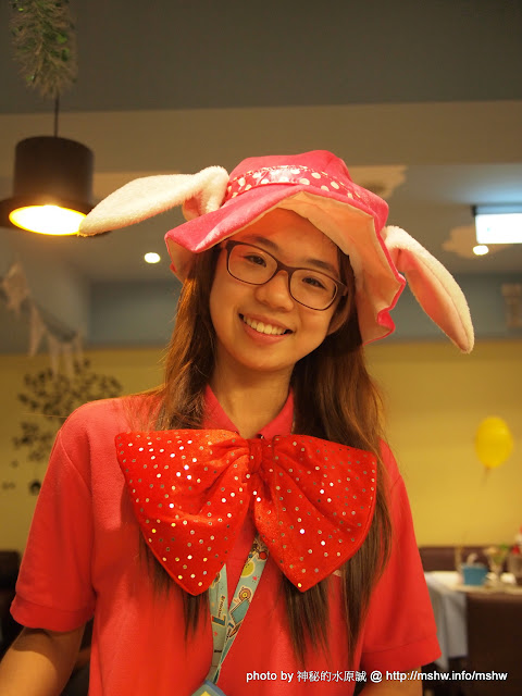 【食記】兔子陪你吃到吐! ~ 台中北區- Alice's Party 愛麗絲的派對-手工披薩吃到飽童話餐廳 北區 區域 午餐 台中市 披薩 晚餐 炸雞 烤雞 焗烤 義式 飲食/食記/吃吃喝喝