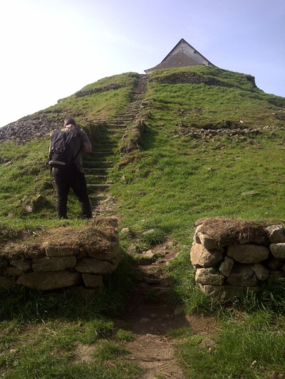 Shaun and Tumulus Saint Michel