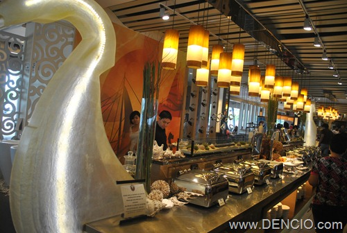 Vikings Luxury Buffet MOA100