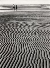 Ludwig Windstosser - walk at low tide - 1957