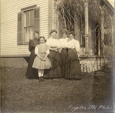 outdoor photo about 1910 PR antiques
