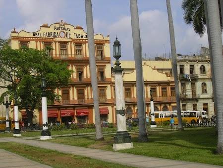 02. Fabrica de trabuce din Havana.jpg