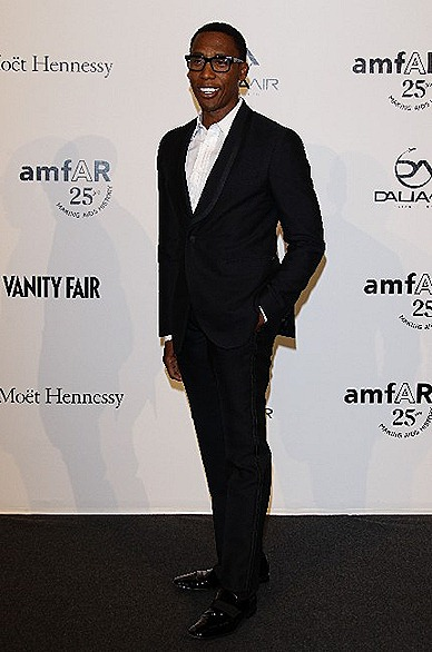 Raphael Saadiq Singer FENDI Man Collection blue tuxedo