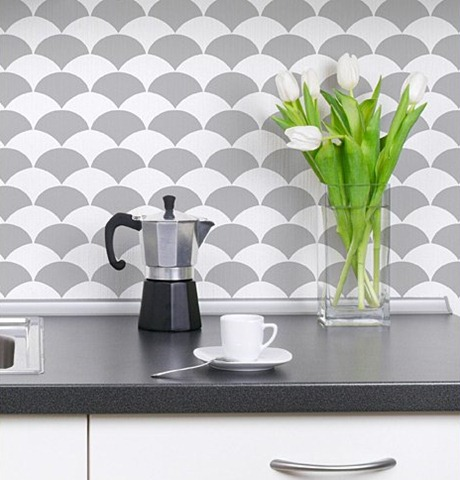 Fishscale-stenciled-backsplash