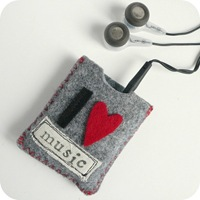 31-cafe-creativo - big shot - ipod case felt