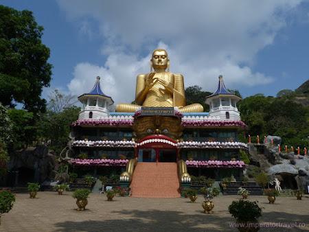1. templu Dambulla.JPG