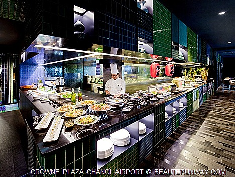 CROWNE PLAZA CHANGI AIRPORT HOTEL ROOM STAY AZUR Restaurant Package Oyster  Lobsters western chinese  easter new year christmas