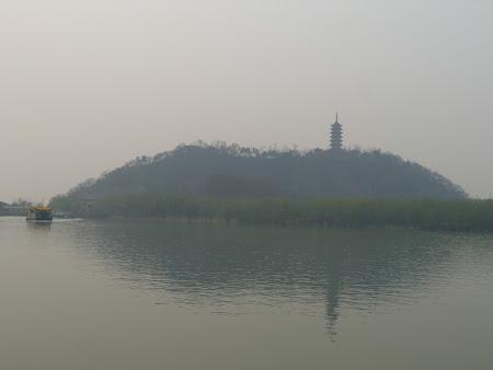 Obiective turistice Zhenjiang:  Jiao Hill