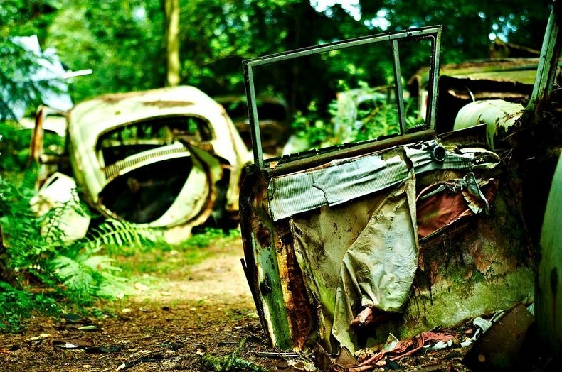 chatillon-car-graveyard-9