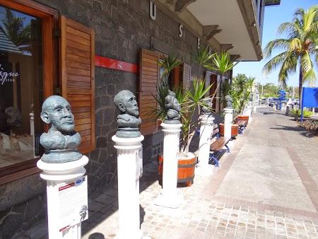 Statui Port Louis