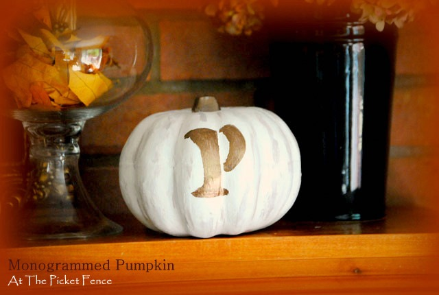 monogramed-pumpkin-4