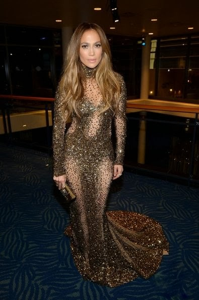 Jennifer Lopez attends the 2013 American Music Awards