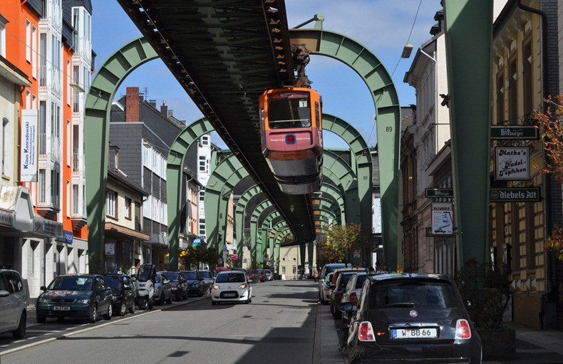 Wuppertaler-Schwebebahn-11