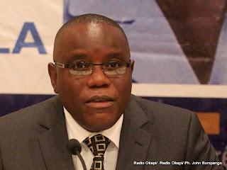 Aubin Minaku, secrétaire général de la majorité présidentielle le 27/09/2011 à Kinshasa. Radio Okapi/ Ph. John Bompengo