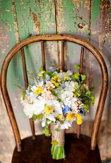 Porter_Simpson_Katelyn_James_Photography daisies were gathered with peach stock, blue nigella love in the mist, peach stock, bupleurum, white alstroemeria, white spray roses and yellow tansy holly chapple