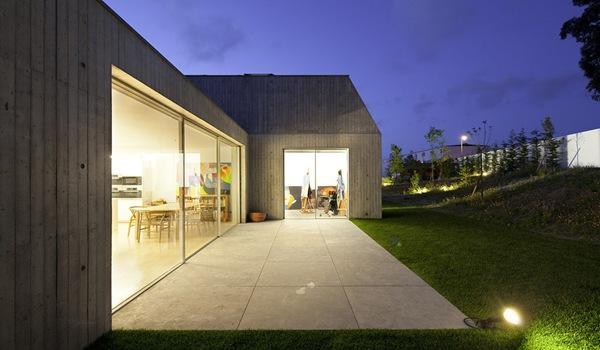 casa con fachada de hormigon