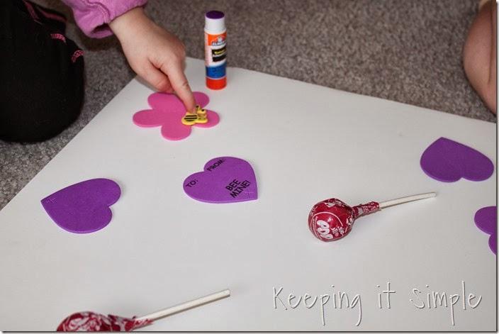 easy-valentine-kids-crafts #orientaltrading (5)