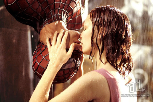 Famous Kisses Spiderman