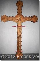 DSC02524 (1) Krucifix av trä, Småland, 1400-talets början. Bild bättrad beskuren med amorism
