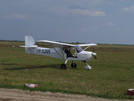 Aventura Card, avion usor: Avion aerodrom Sirna