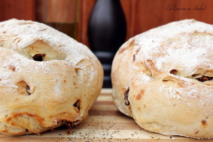 Fig Bread with Black Pepper Recipe