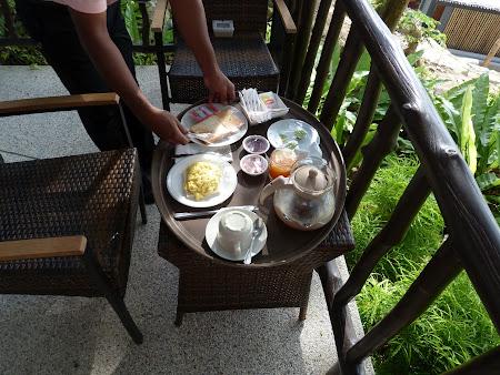 8. mic dejun.JPG
