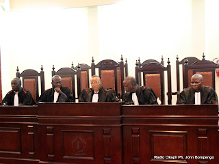 Des juges de la cour suprême de justice le 5/12/2011 à Kinshasa. Radio Okapi/ Ph. John Bompengo