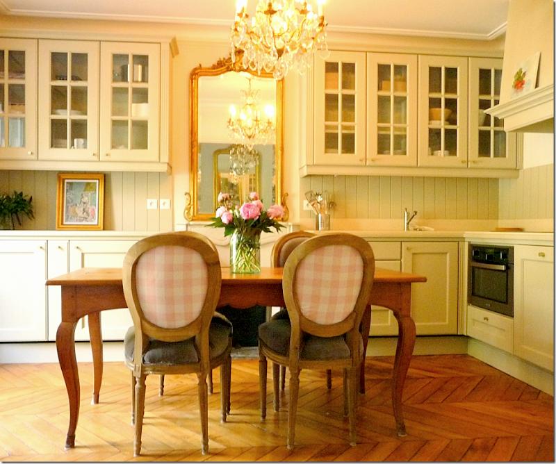COTE DE TEXAS: A Perfect Paris Apartment From Paris Perfect