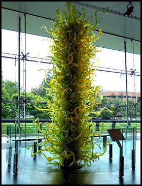 02b - Corning Glass Museum - Sculpture in the Lobby