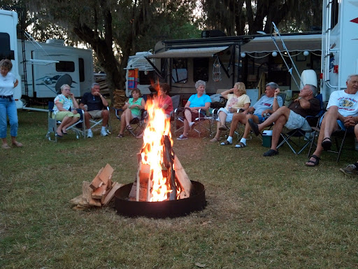 A friendly group and a great fire at Riverside RV campground!