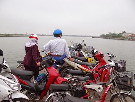 04. Motociclete pe ferry.JPG