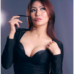 sexy in black dress by Indra Wahyudi - People Portraits of Women