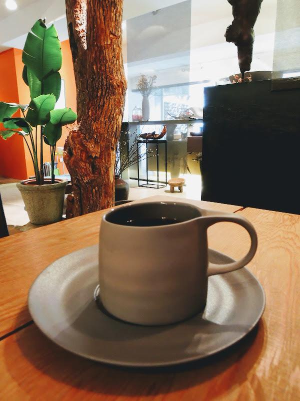 用 3,co Café 瓷器所乘載的咖啡.jpg