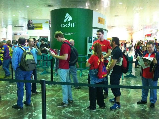 Els aficionats del #Barça, sortint des de 1a hora de Sants cap a la #finalcopa del Rei
