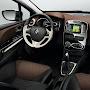2013-Renault-Clio-4-Interior-3.jpg