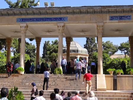 15. Mausoleul lui Hafez.JPG