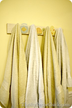 kid bathroom towel hooks