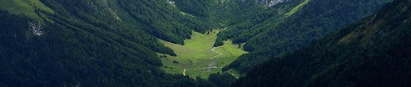 Prats de l'Artiga de Lin des del cap de PoilanérVielha e Mijaran, la Val d'Aran, Lleida