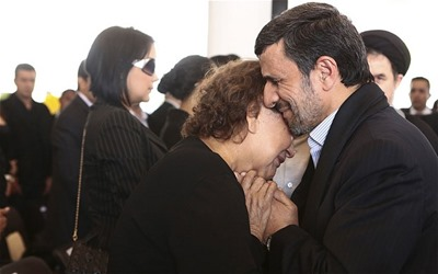 ahmadinejad and chavez mother
