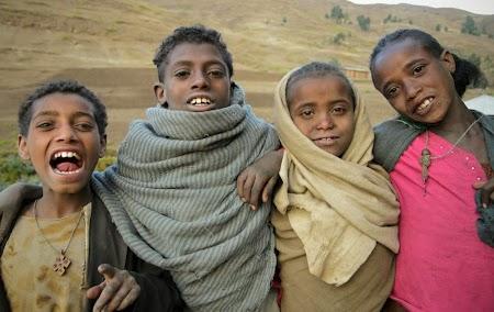 Muntii Simien - Etiopia: Copii din satul Ambiquo