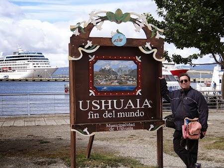 Ushuaia, Tara de Foc: Semnul cu capatul lumii.JPG