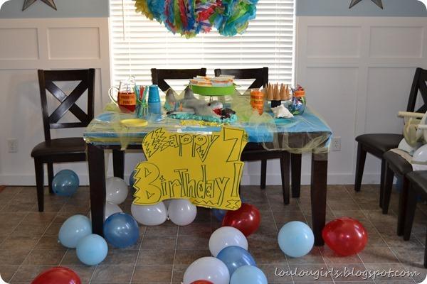 Shark-party-shark-cake