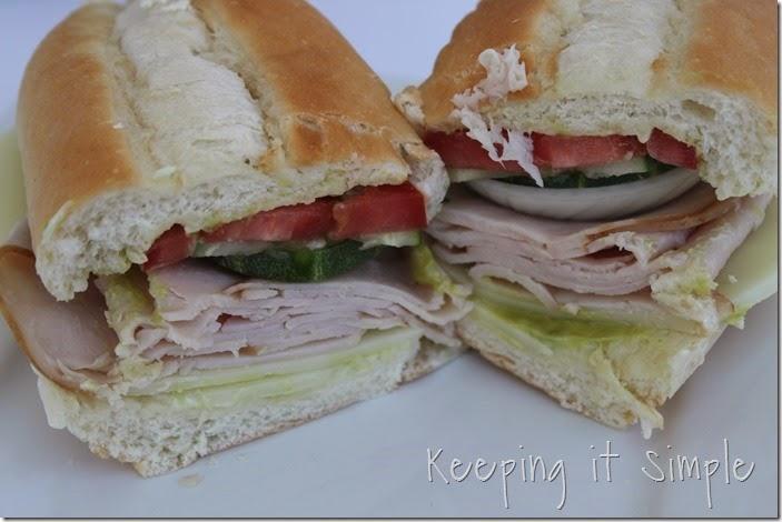 The-best-ever-turkey-avocado-sandwich #hillshirenaturals (1)