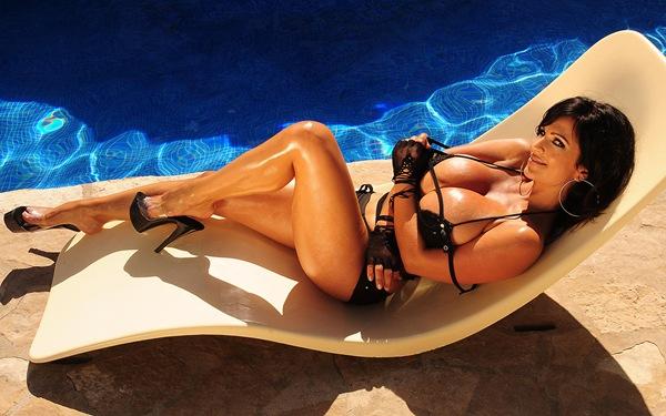 Denise Milani 9