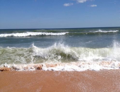 Beautiful ocean waves