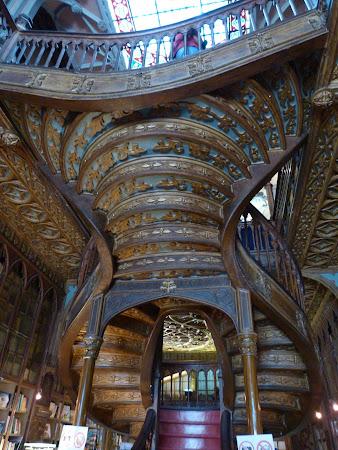 Obiective turistice Porto: libraria Lello