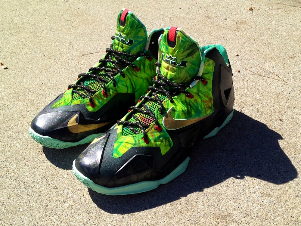 84539710453 Nike LeBron XI 8220Kings Rings8221 by Lancer Customs ...
