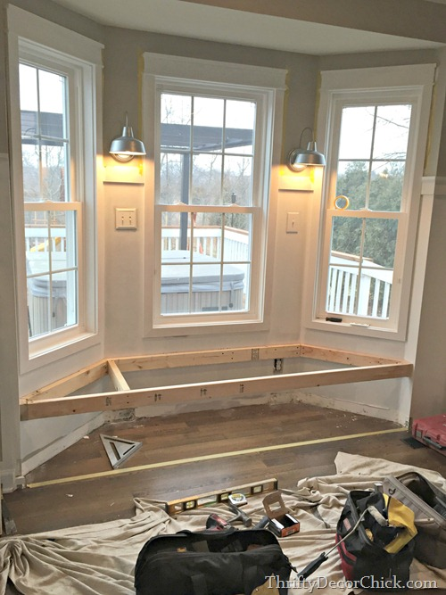 Bay window seat in kitchen from thrifty decor chick - Window seat bay window ...