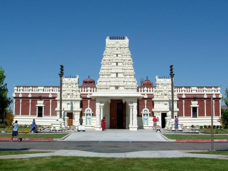 Wonderful Indian Temples Abroad: Malibu Hindu Temple(US